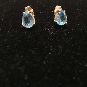 NATURAL Swiss Blue Topaz 14K Yellow Gold earrings